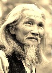 Nhà thơ Hữu Load (1916-2010)
